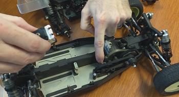 Spektrum S6240 Servo Installation Into The TLR 22-4 [VIDEO]
