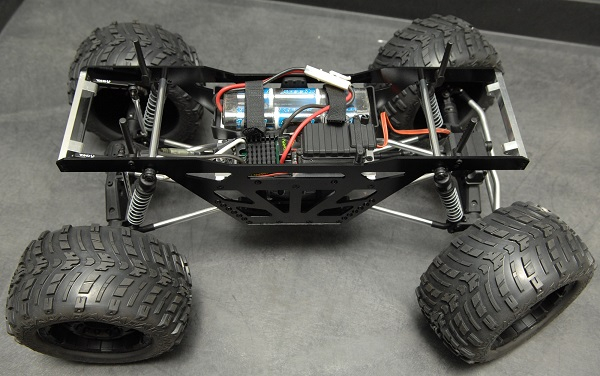 st-racing-concepts-izilla-monster-truck-racing-chassis-kit-for-the-axial-wraith-1
