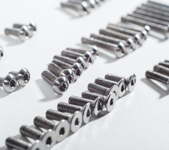 TLR 22 3.0 Titanium Upper Screw Set (2)