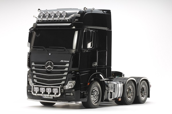 Tamiya 1_14 RC Mercedes-Benz Actros 3363 6x4 GigaSpace