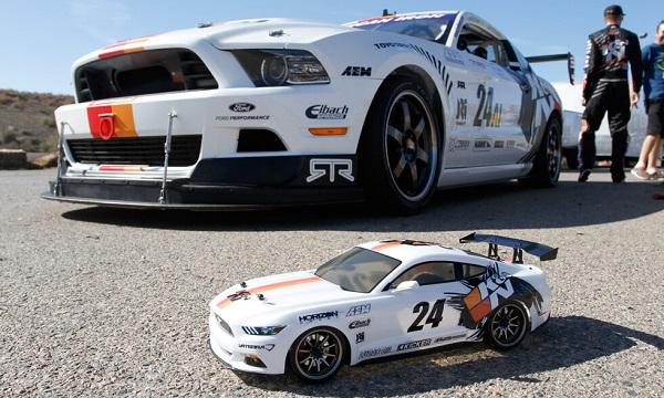 Vaterra RTR 2015 K&N Ford Mustang GT V100 1_10 Drift Car (8)