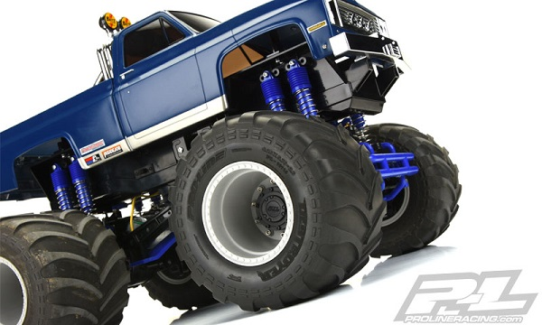 Pro-Line-Brawler-Clod-Buster-2.6-Gray-Wheel-Stock-And-+17.5mm-Offset-4