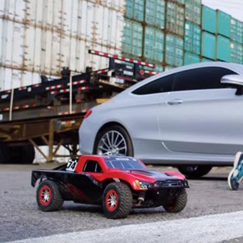 Slash vs. Mercedes vs. Parkour Guy: Who Wins? [VIDEO]