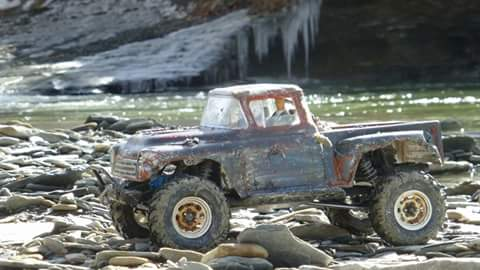 Axial SCX-10 Beater Farm Truck by Deon Person [READER'S RIDE]