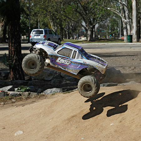 Losi RTR 1_5 Monster Truck XL 4WD With AVC (6)