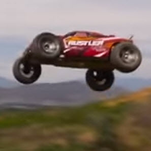 Here's a Traxxas Rustler VXL Getting Its Shred On [VIDEO]