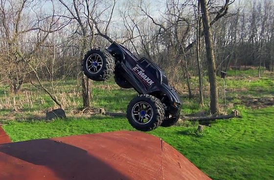 Backyard BMX Freestyle Session With A Traxxas Brushless E-Maxx - Copy (2)