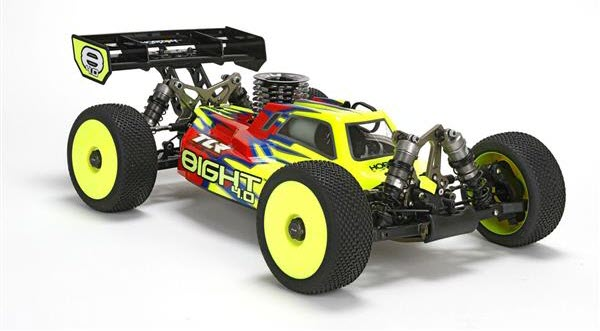 TLR 8IGHT 40