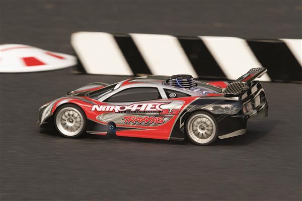 Traxxas Nitro 4-Tec Action