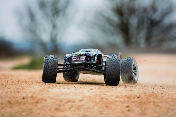 ARRMA RTR Kraton BLX Gets Updated With New Power System And Tactic Radio  (2)