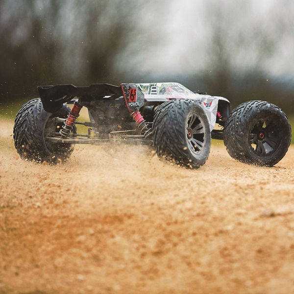 ARRMA RTR Kraton BLX Gets Updated With New Power System And Tactic Radio  (7)