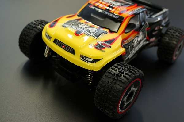 Carisma RTR GT24T 1_24 4wd Micro Monster Truck (6)