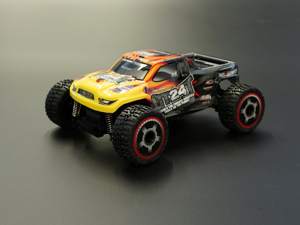 Carisma RTR GT24T 1_24 4wd Micro Monster Truck (7)