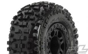 """Pro-Line Badlands SC 2.2""""/3.0"""" Tires Mounted On Black Split Six Wheels"""