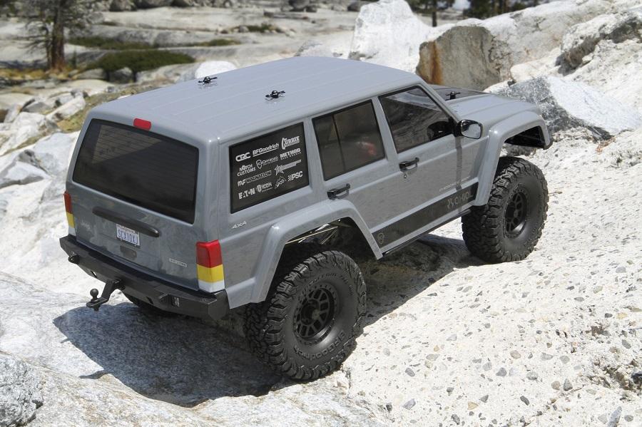 Axial RTR SCX10 II 2000 Jeep Cherokee (8)