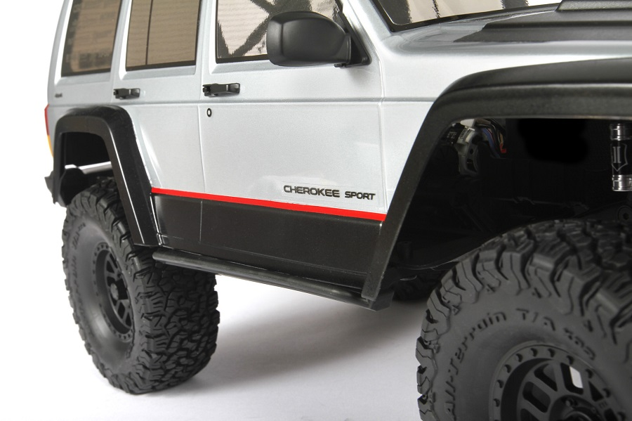Axial 2000 Jeep Cherokee Clear Body (5)