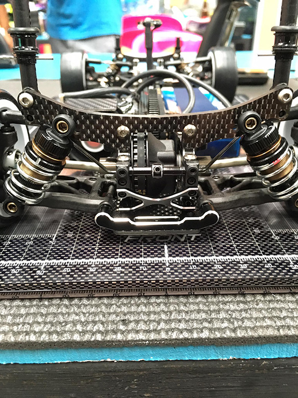 The rear end of the Yokomo BD7 2015. Notice the small line on the shock collars. Like many racers, Hara uses this mark to keep track of how many times the collars are twisted so that the shocks match from side to side.