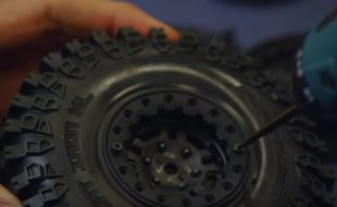 Mounting Pro-Line 1.9″ Bead-Loc Crawler Wheels [VIDEO]