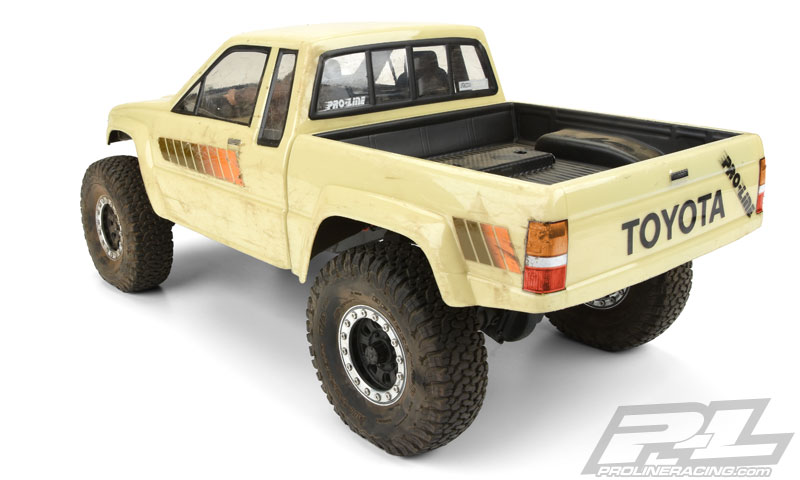 Pro-Line 1985 Toyota HiLux SR5 Clear Body (2)