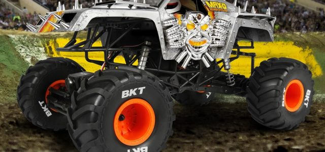 Axial RTR 1/10 SMT10 Max-D Monster Jam Truck [VIDEO]