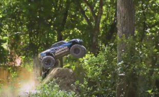 Traxxas Outtakes And Crashes [VIDEO]