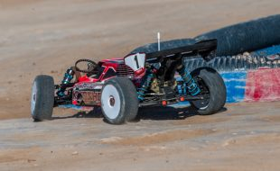 WORLDS: Elliott Boots (Kyosho) Leads Qualifying
