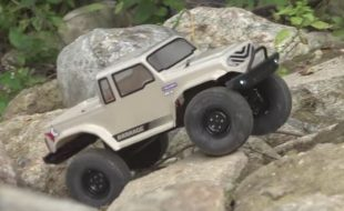 ECX RTR Barrage 1.9 Class 4WD Rock Crawler [VIDEO]