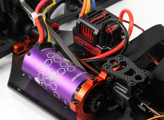 hobbyking-rtr-bsr-berserker-1_8-electric-truggy-7