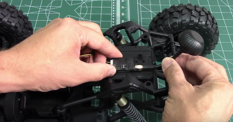 how-to-install-a-fpv-explorer-in-an-rc-car