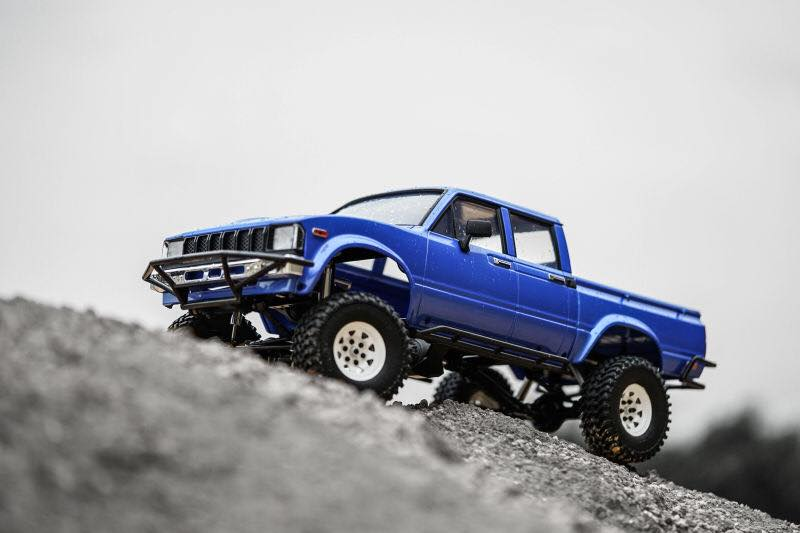 rc4wd-trail-finder-2-truck-kit-lwb-mojave-ii-4-door-body-2