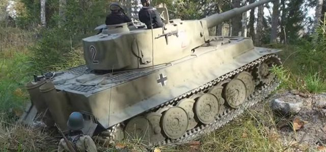 Watch These Super-Sized, Super-Realistic Tanks In Action [VIDEO]