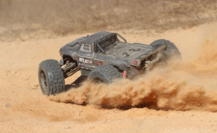 We Drive the ARRMA OUTCAST [REVIEW]
