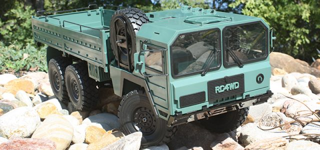 RC4WD's Beast 6X6 Lives Up To Its Name [UNBOXED]