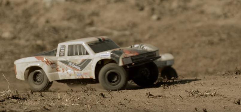 axial-rtr-yeti-jr-1_18-score-trophy-truck