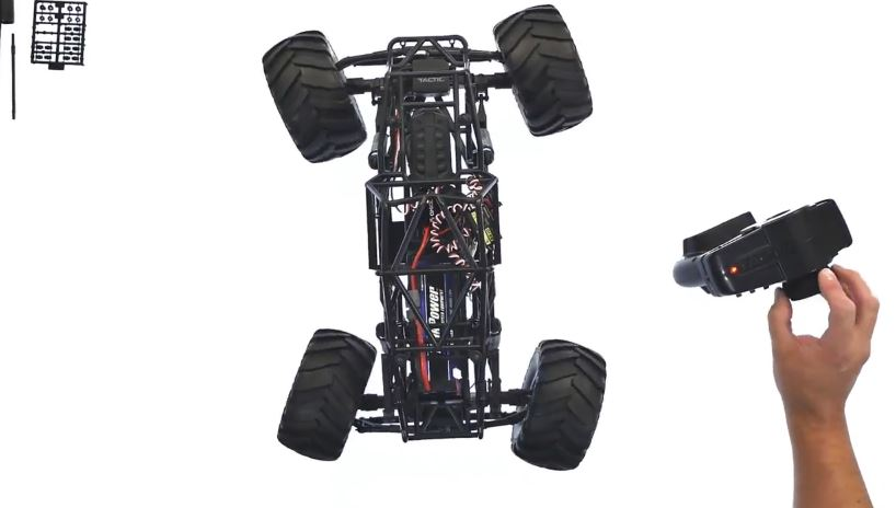 axial-smt10-with-all-wheel-steering