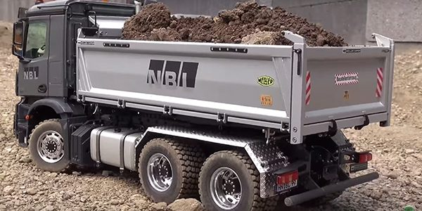 Show-Stopping Scale Trucks [VIDEO]