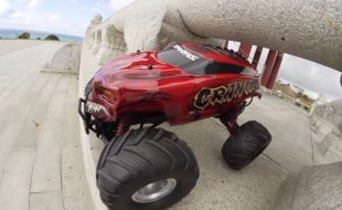 Traxxas Skully & Craniac Sunken City Battle [VIDEO]