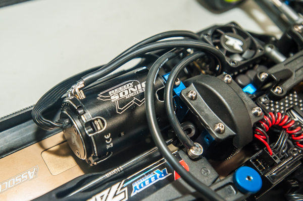 A 5.5T Reedy motor gives the buggy plenty of power to compete with the best.