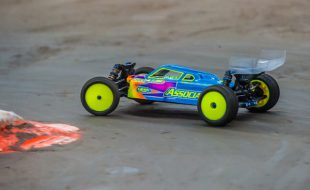 Under the Hood: Dustin Evan's B64D 4WD Buggy