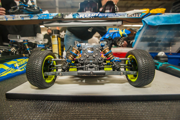 The front end of the buggy. Note the red springs and coated shock bodies.