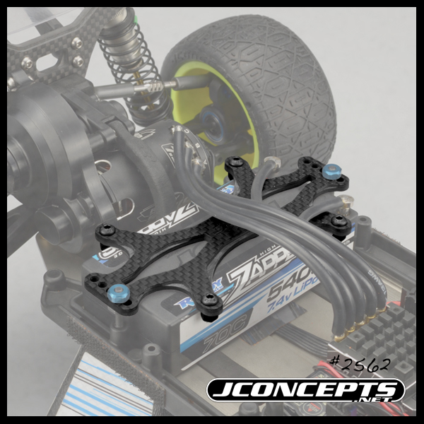 jconcepts-b6-and-b6m-carbon-fiber-battery-brace-3