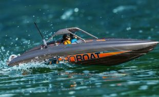 Pro Boat RTR 23″ River Jet Boat [VIDEO]
