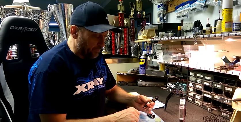 Building Shocks Tips With XRAY's Gord Tessmann