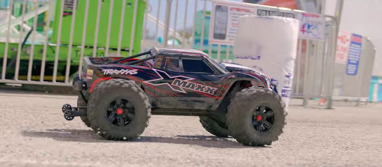 Traxxas 8s X-Maxx Pavement Punisher