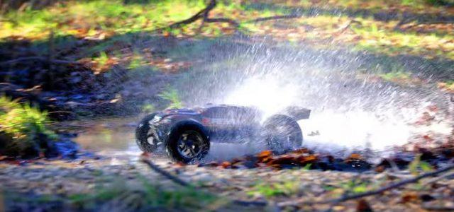 Traxxas E-Revo Brushless Edition Big Splash [VIDEO]