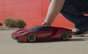 We Drive the Traxxas 4-Tec 2.0 Ford GT! [VIDEO]