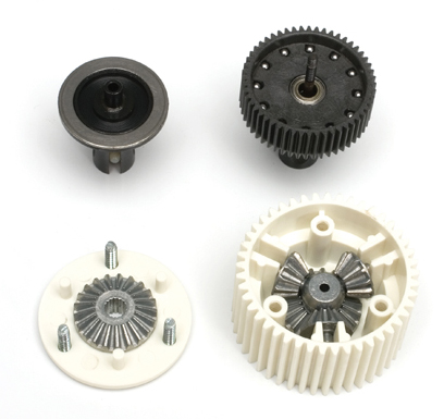 The ball diff (top) uses steel balls that roll on smooth rings to provide diff action without backlash or play while a gear diff must have some play to operate properly.