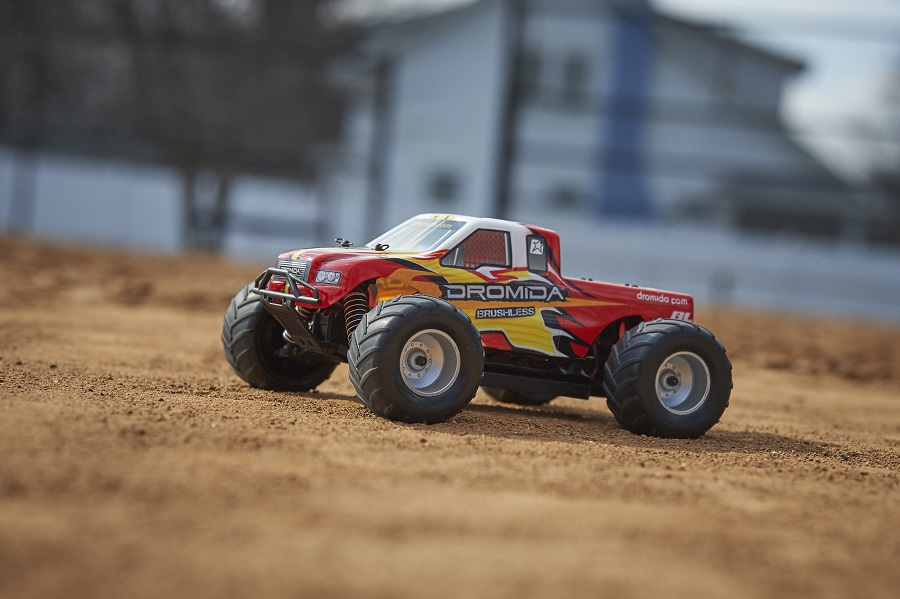Dromida RTR 1_18 4WD Brushless Monster Truck (3)