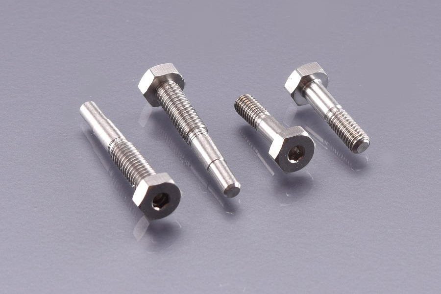RDRP B6 Titanium Lower Shock Screw Set (2)