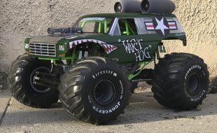 """Wart Hog"" Axial SMT10 Monster Truck [READER'S RIDE]"